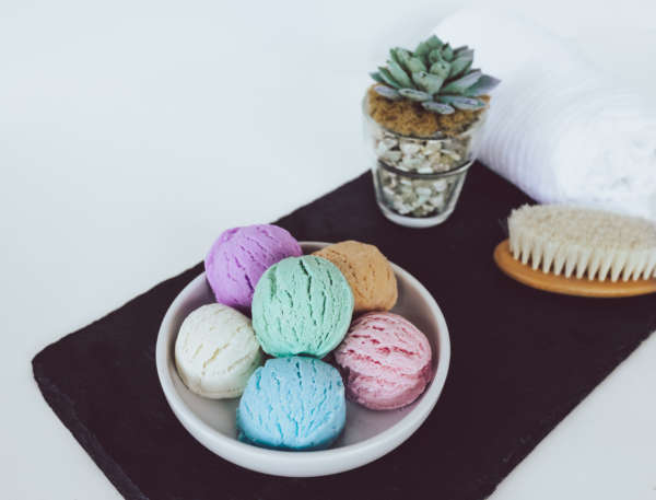fragrant bath bombs & bubble scoops